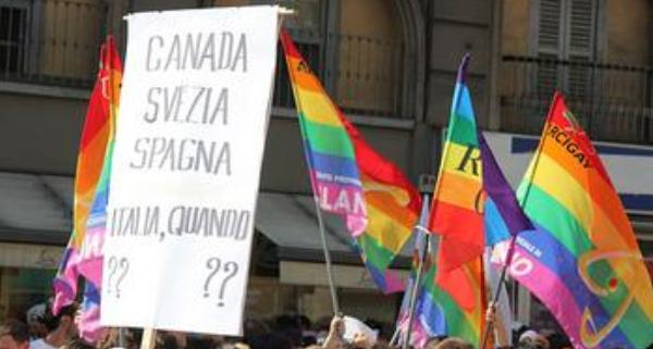 diritti-civili-e-omofobia-il-ritardo-dellital-L-nNEwAP
