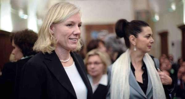 img1024-700_dettaglio2_Josefa-Idem-Laura-Boldrini-Imagoeconomica