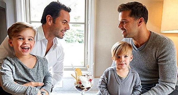 Ricky-Martin-figli-Valentino-Matteo-fidanzato-Carlos-foto-Vanity-Fair-Spagna-22-marzo-2012-3