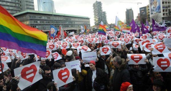 manifestazione-contro-omofobia